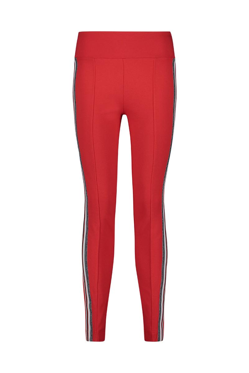 Aansluitende luxe broek met taping aan de zijkant.