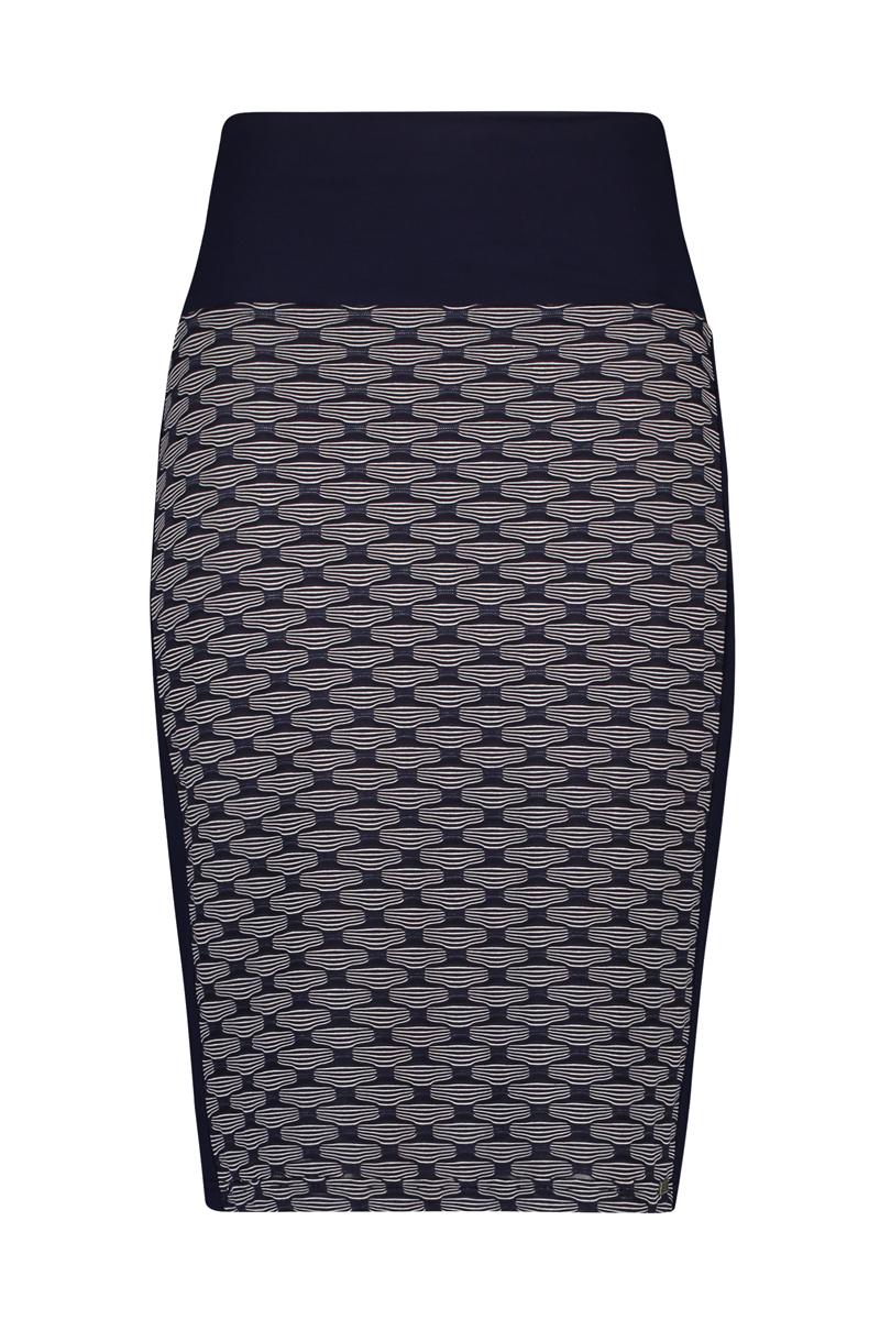 - Dubbele tailleband om buik te corrigeren. - De lengte is perfect tot de knie, u kunt de tailleband ook omslaan om de rok korter te maken. materiaal: 95% viscose 5% elastaan