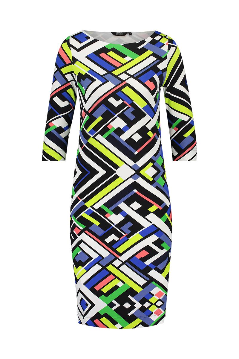 De rechte halslijn maakt deze jurk heel chique. - Dress Audrey is geheel dubbel zodat deze minder tekent en mooier aansluit. - Mouwlengte ¾ materiaal: 95% viscose 5% elastaan